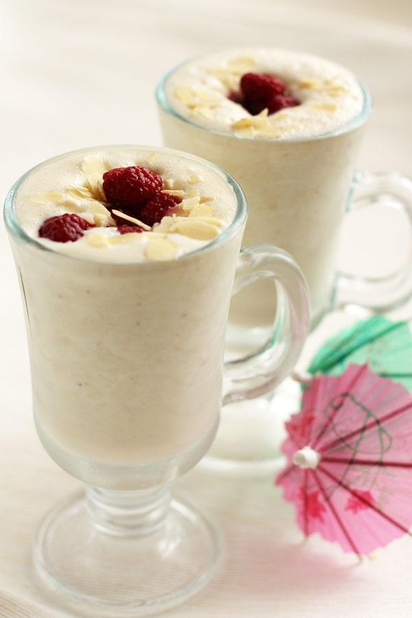 Молочный коктейль в домашних условиях с мороженым рецепт с фото