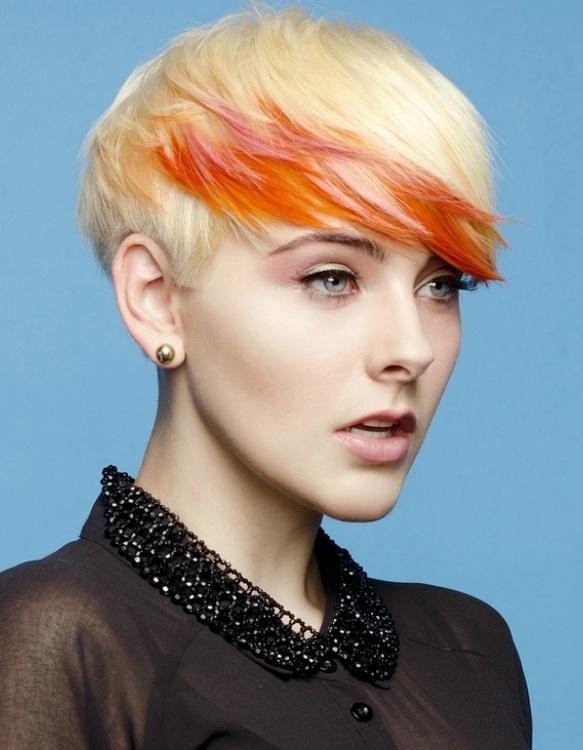 Фото молодежная короткая стрижка волос
