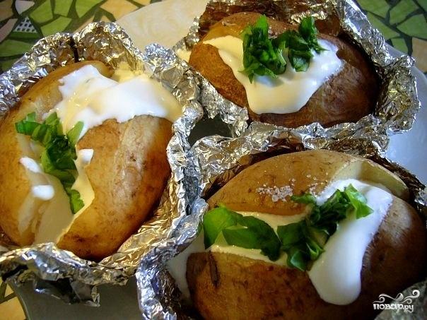 Картошку запечь в фольге с фото