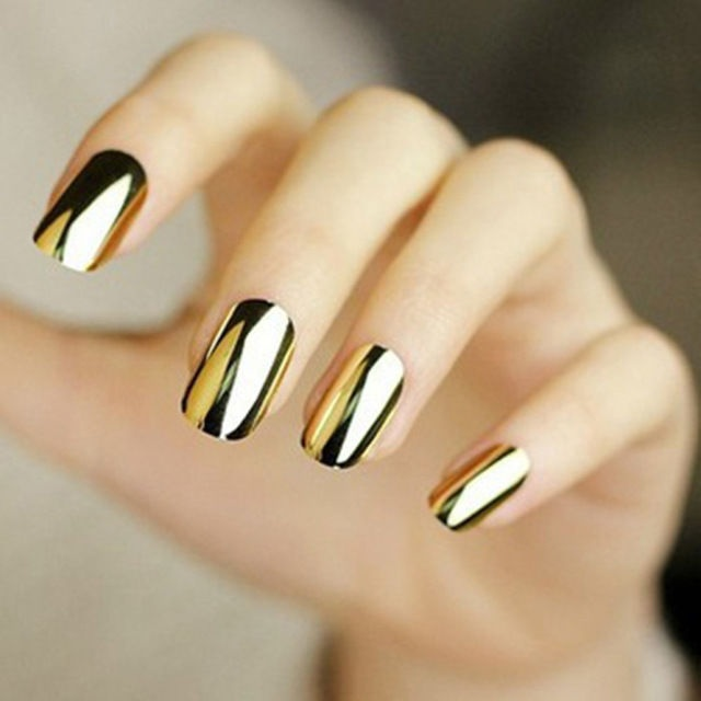 Дизайн ногтей золотистого цвета