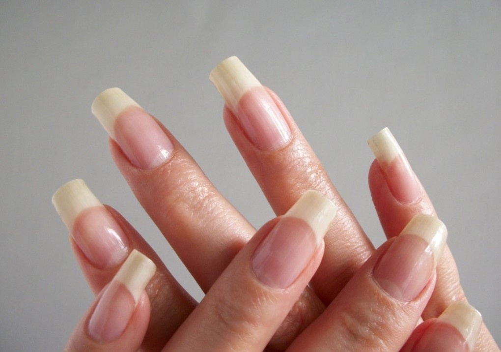 Почему ногти на руках волнистые лечение