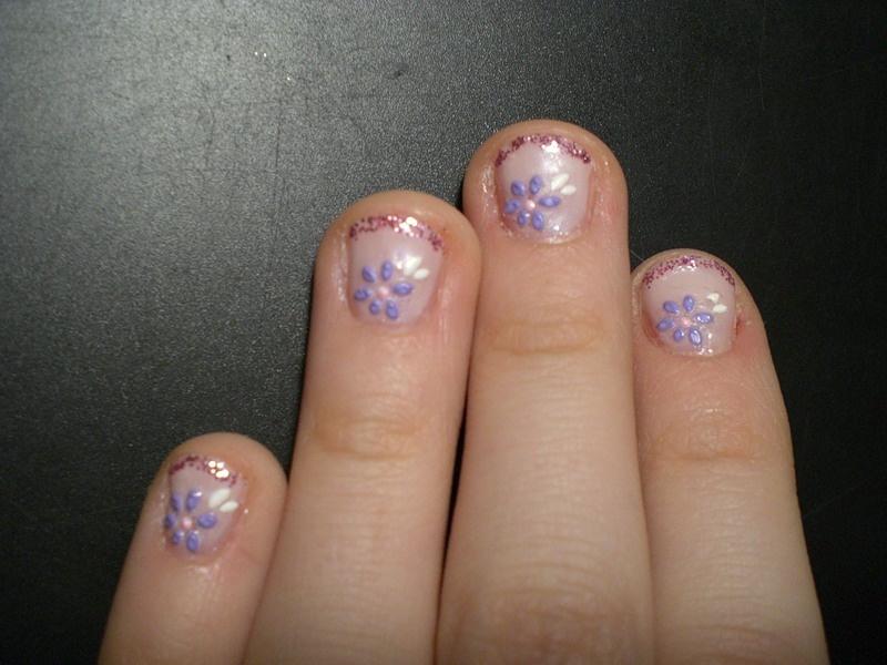 Легкий маникюр на маленькие ногти