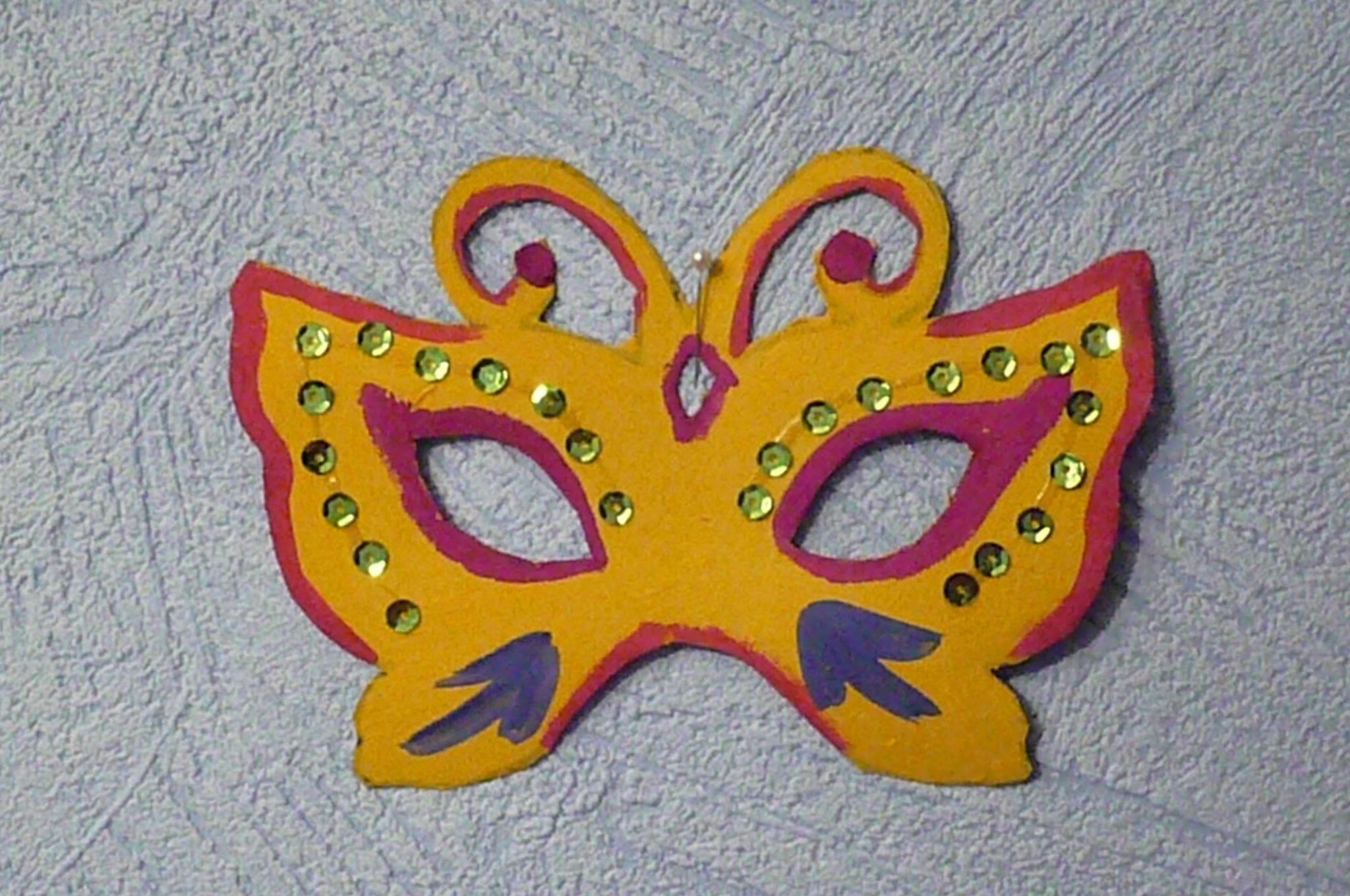 Как сделать карнавальную маску ребенку