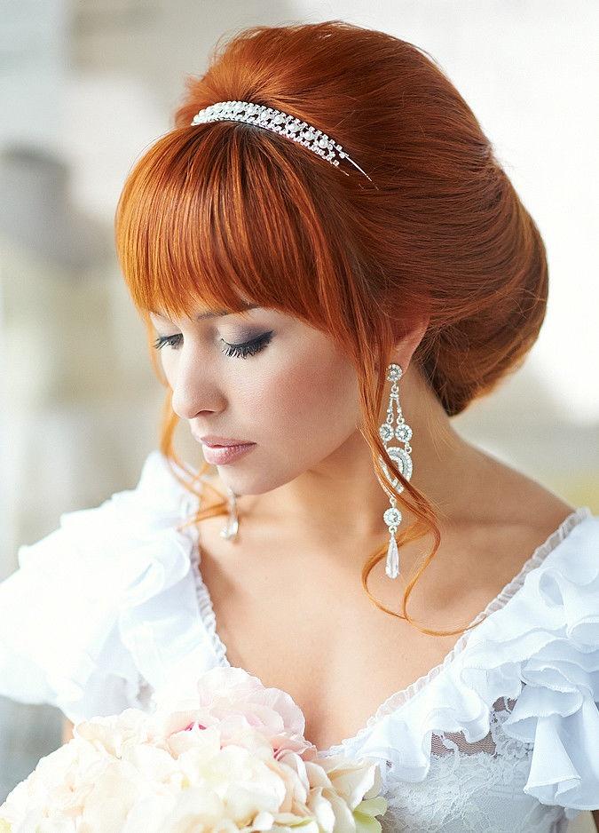 Собранная свадебная прическа с челкой фото