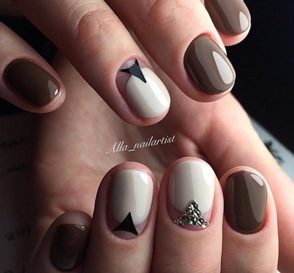 Идея маникюра на короткие круглые ногти