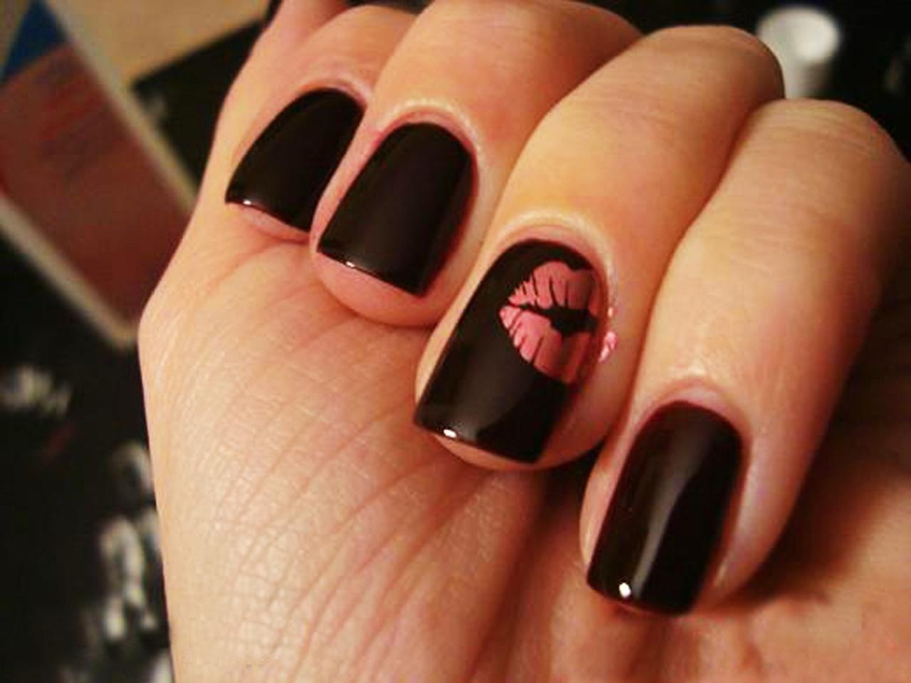 Рисунки на черные ногти