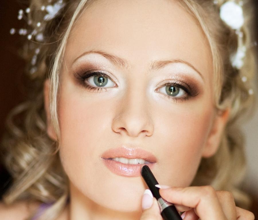 Свадебный макияж в светлых тонах