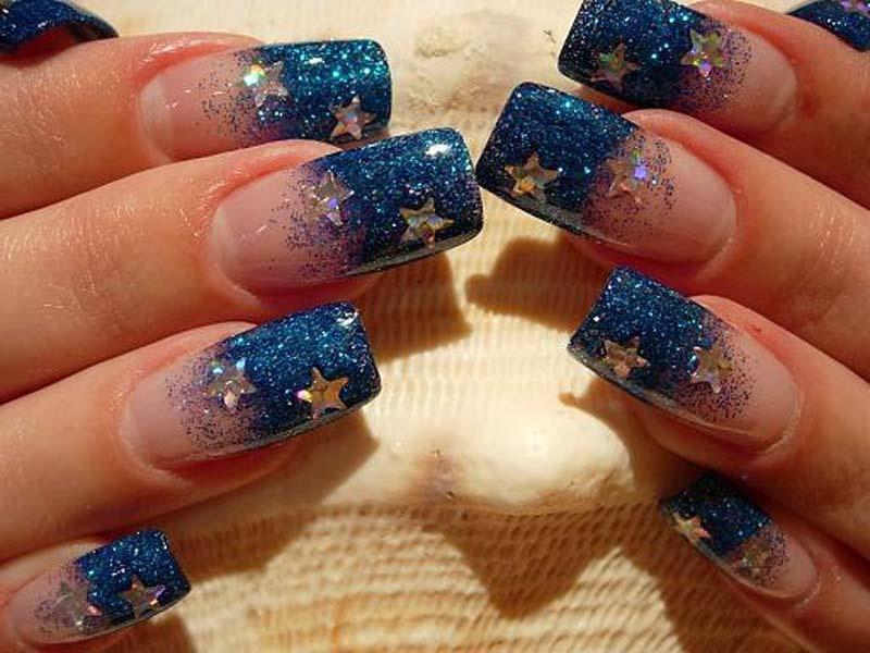 Рисунок блестками на ногтях