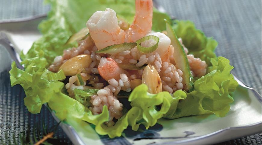 Как приготовить салат с креветки в домашних условиях