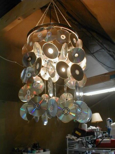 Люстры из сд дисков