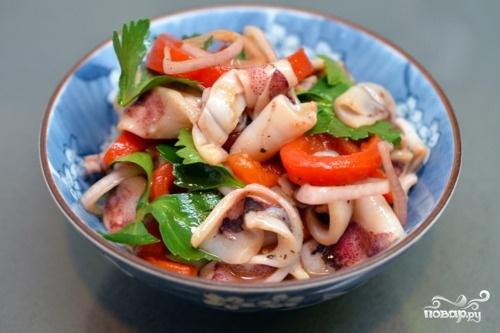 Салат из кальмаров диетическиеы