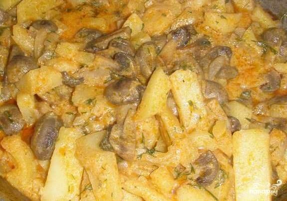 Рецепт тушеной картошки со свининой в сковороде