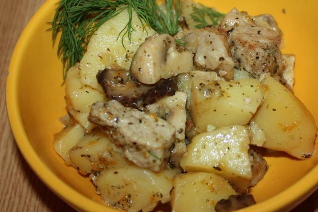 Картошка мясо грибы в духовке рецепт с пошагово