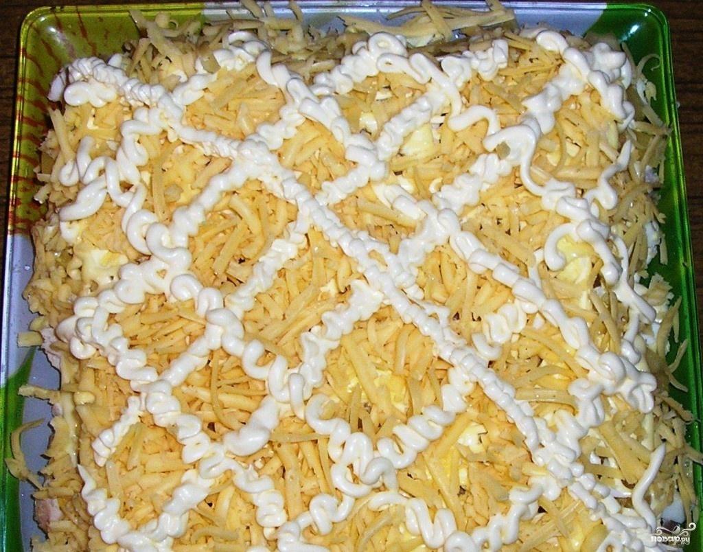 Салат курица с ананасами и грибами слоями рецепт с
