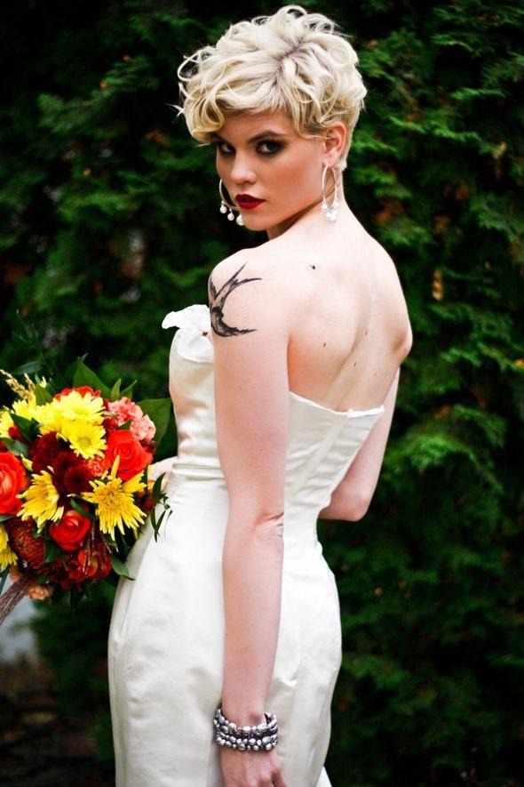 Свадебная прическа на короткую стрижку