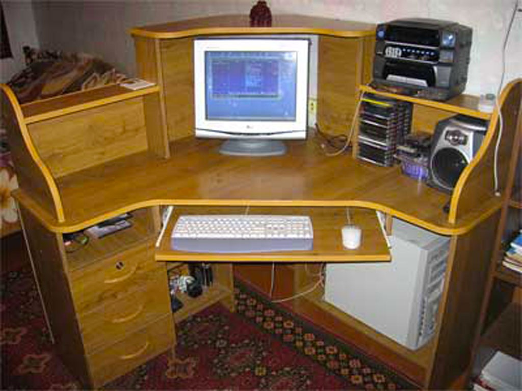 Компьютерные столики своими руками