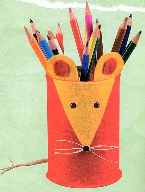 Как сделать подставку для карандашей своими руками из банок