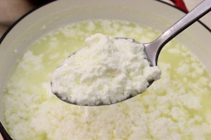 Как сделать простоквашу из кислого молока