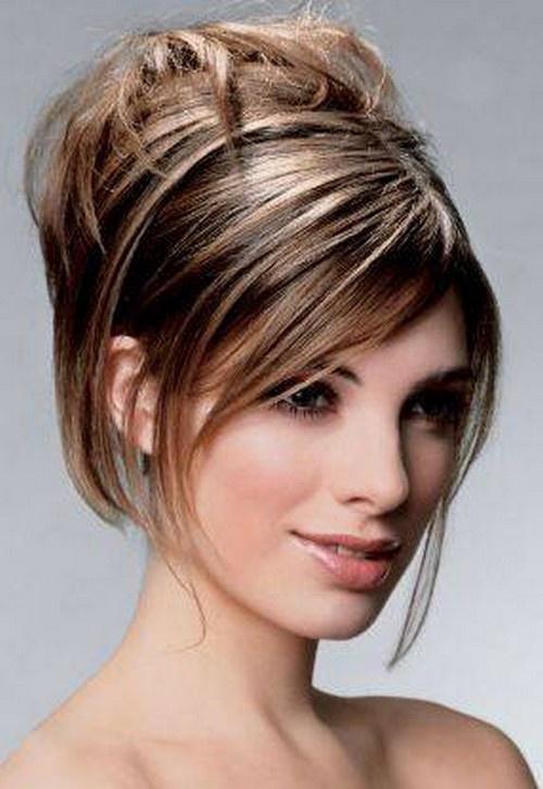 Прическа из средних волос