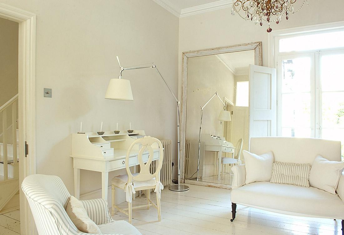 Фото комнаты интерьер в белом цвете