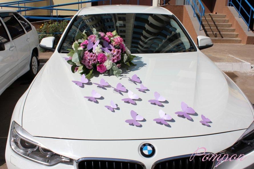 Как украсить машину живыми цветами