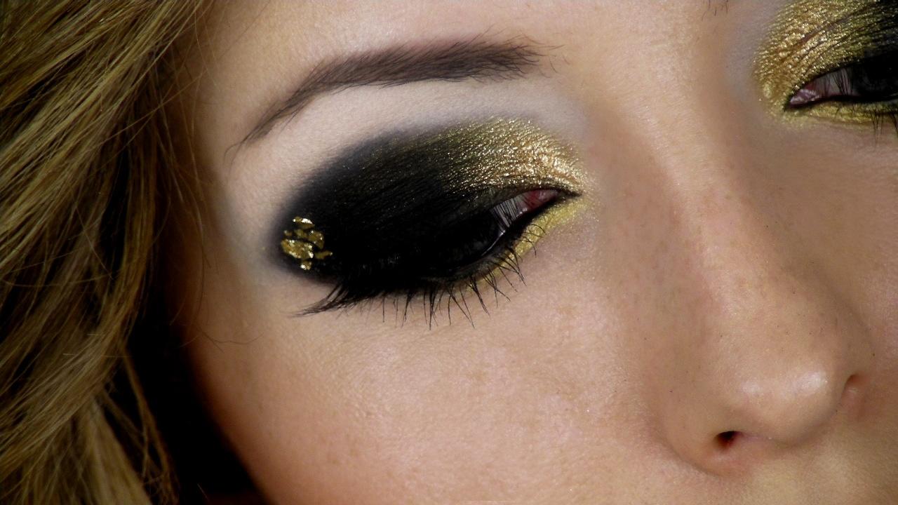 Макияж с темными уголками глаз