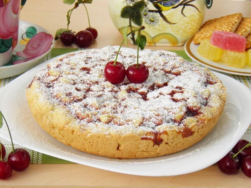 Пирог в мультиварке простой рецепт с вареньем пошаговый рецепт с фото