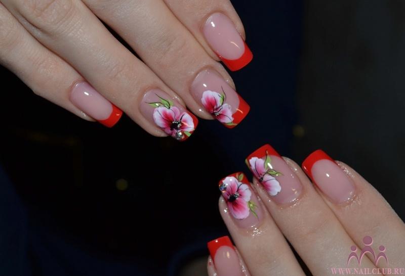 Белый френч ногти с цветами