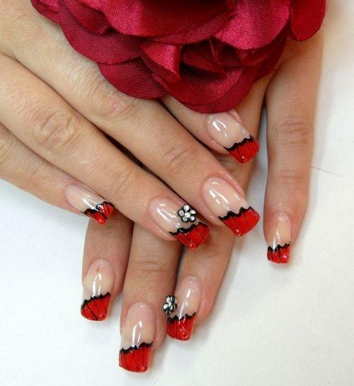 Ногти с красным дизайном