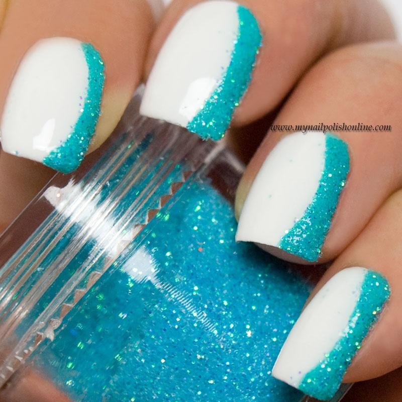Ногти бело-бирюзового цвета
