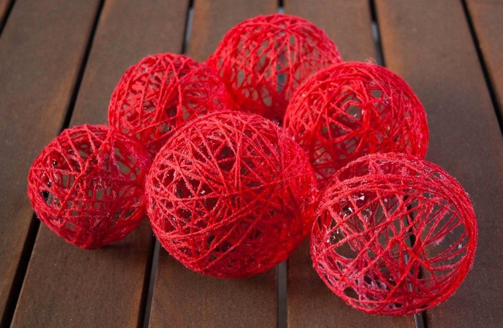 Фото как сделать шарик из ниток
