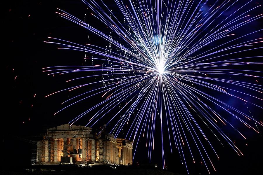 Новый год по взрываем салюты