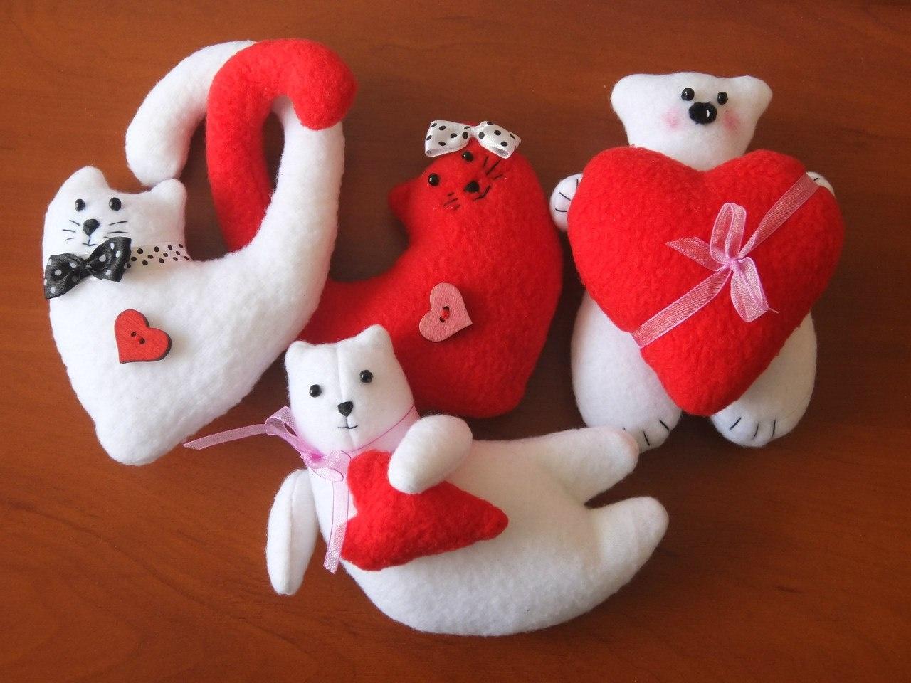 Мягкие игрушки сердечки своими руками