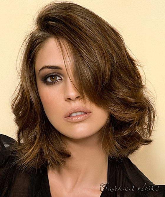 Короткие стрижки для слегка вьющихся волос