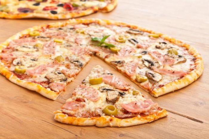 Приготовить пиццу в домашних условиях с тонким тестом