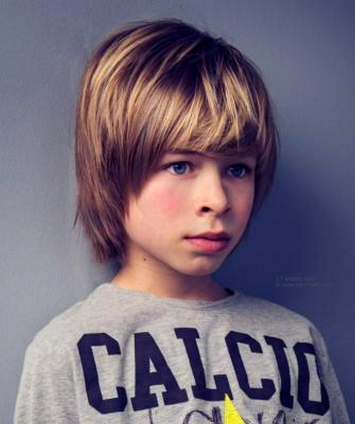 Прическа мальчика на длинные волосы