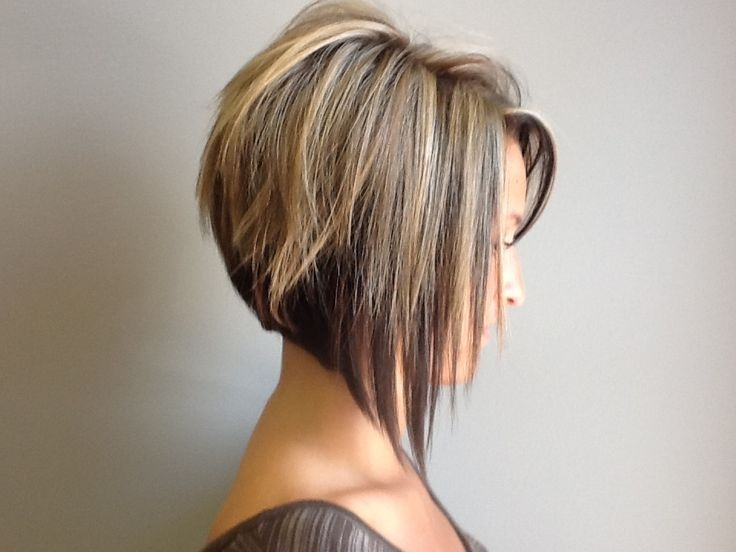 Стрижка каре средние волосы 2017-2018 вид спереди и сзади