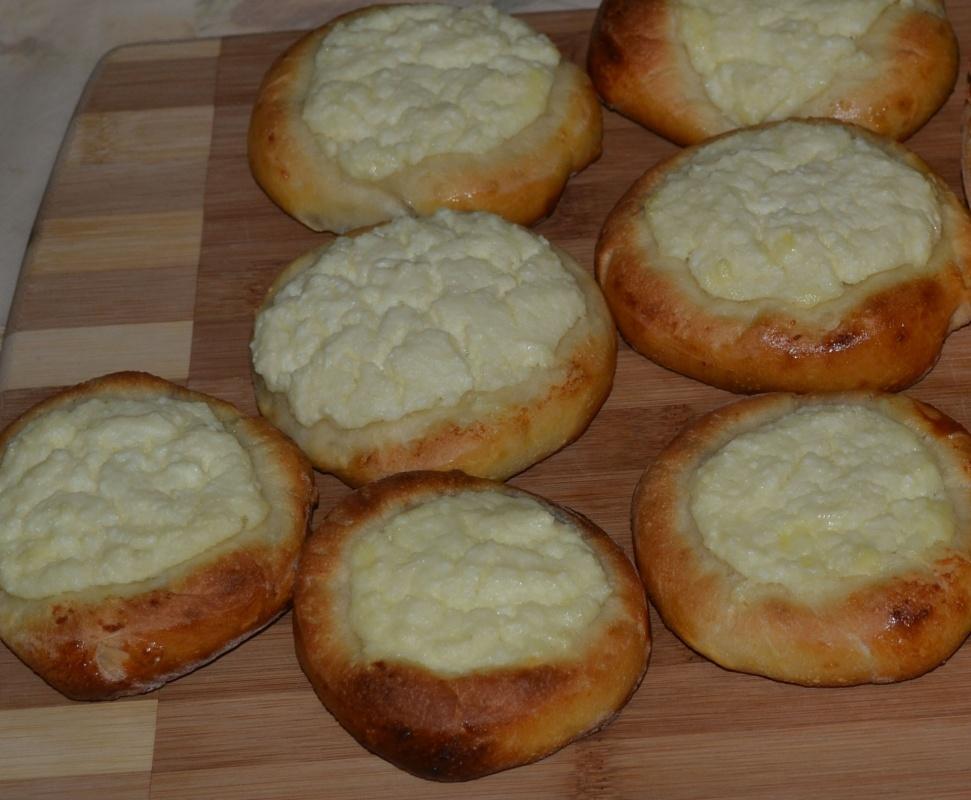Ватрушки домашние с творогом рецепт с пошагово в духовке