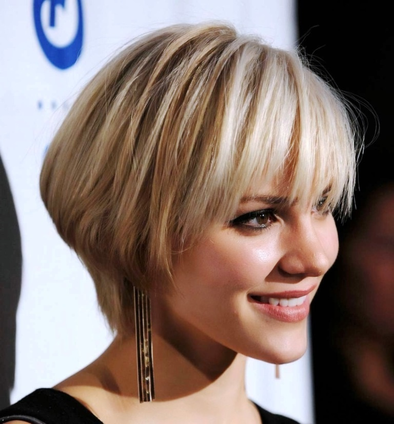 стильные прически 2012 для тонких волос