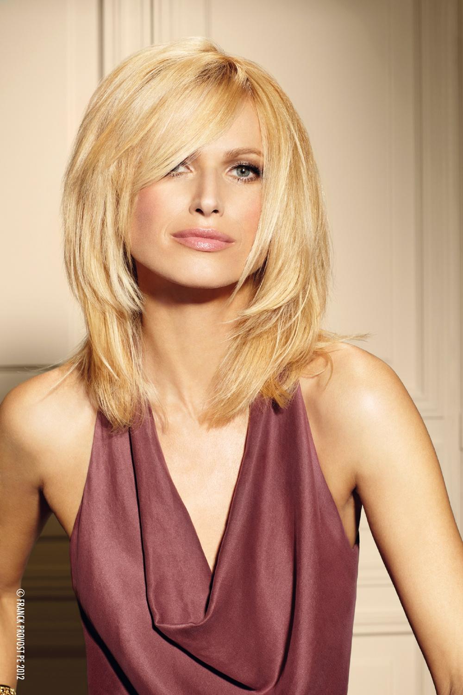Прически блондинке на средние волосы