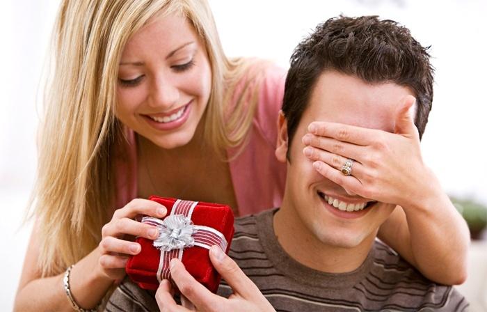 Что подарить замужнему мужчине