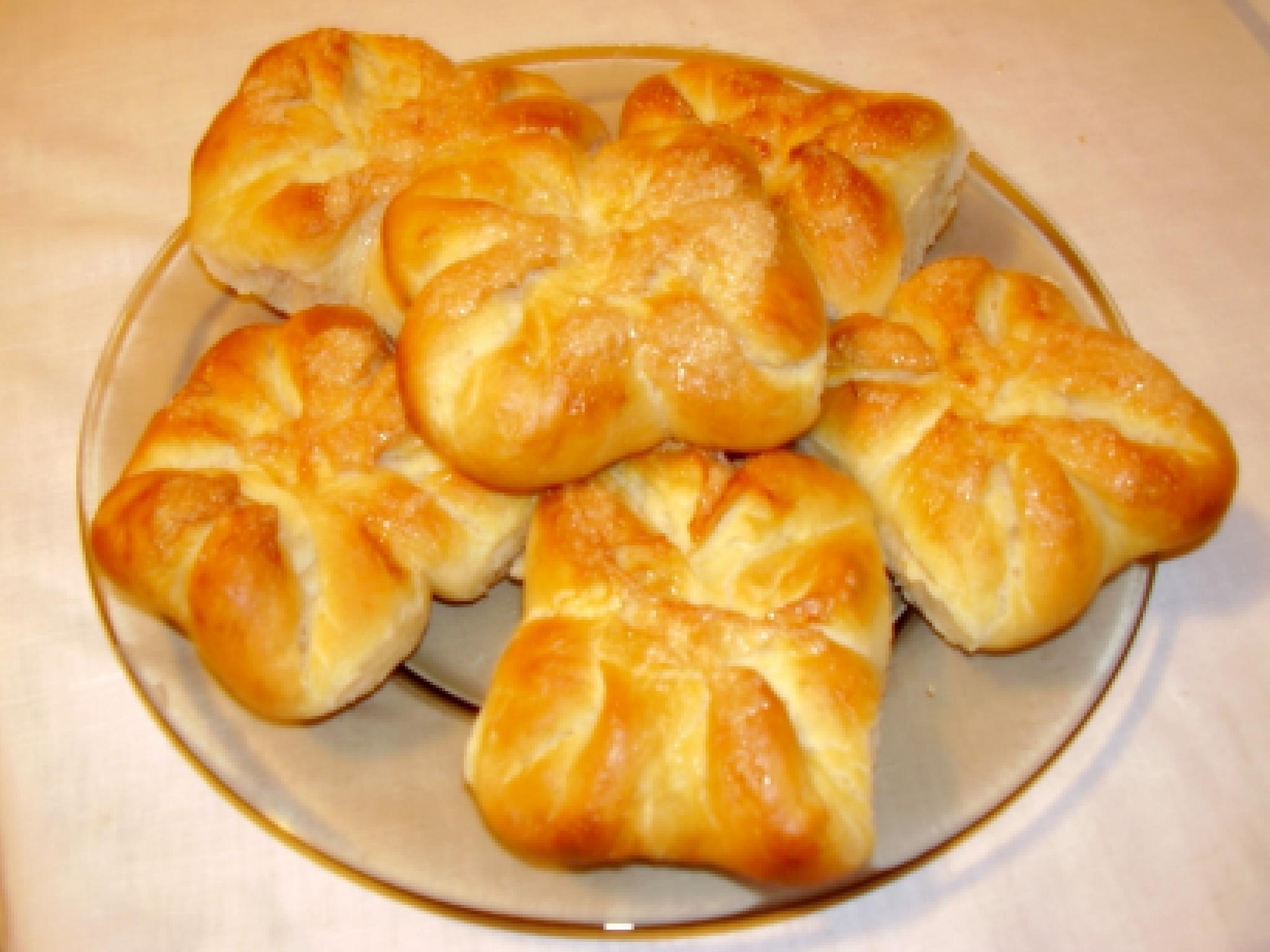 Рецепт сладких булочек из дрожжевого теста с фото пошагово в