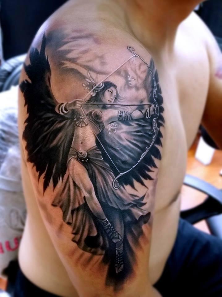 Красивые тату на плече для мужчин