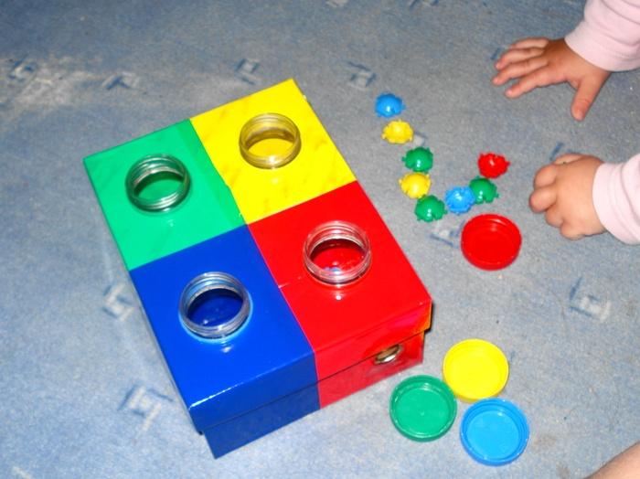 Развивающие игрушки из подручных материалов своими руками фото