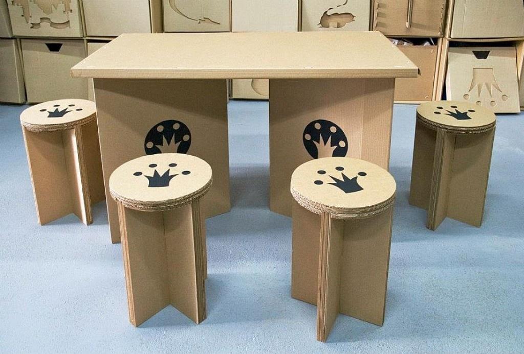 Как сделать стол своими руками для кукол из картона своими руками