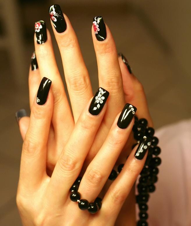 Черные ногти реальные