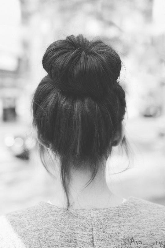 Фото девушки со спины на аву белые волосы