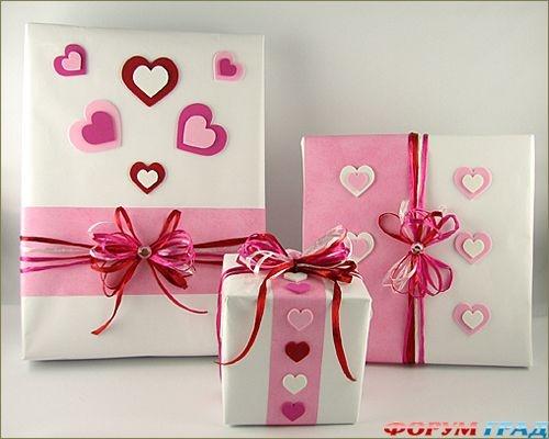 Подарок любого размера упаковываем в симпатичную оберточную бумагу и обклеиваем аппликациями. - карточка от пользователя sirushi