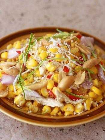 Салат из сладкой кукурузы с курицей