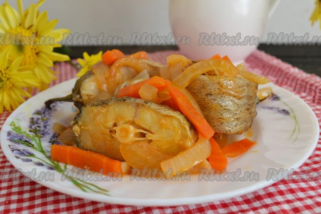 Рецепт минтай тушеный с морковкой и луком